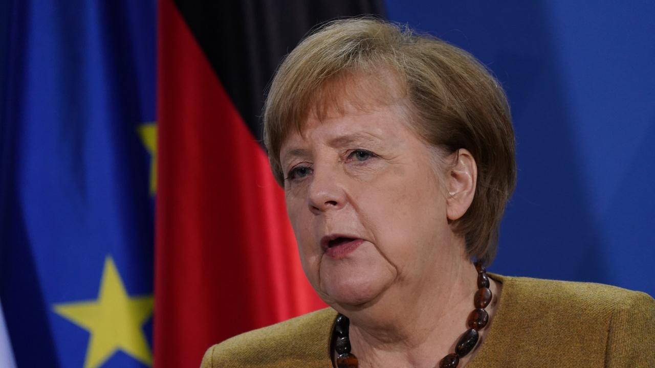 Меркел: Твърде рано е да има преференциалнотретиране на ваксинираните хора