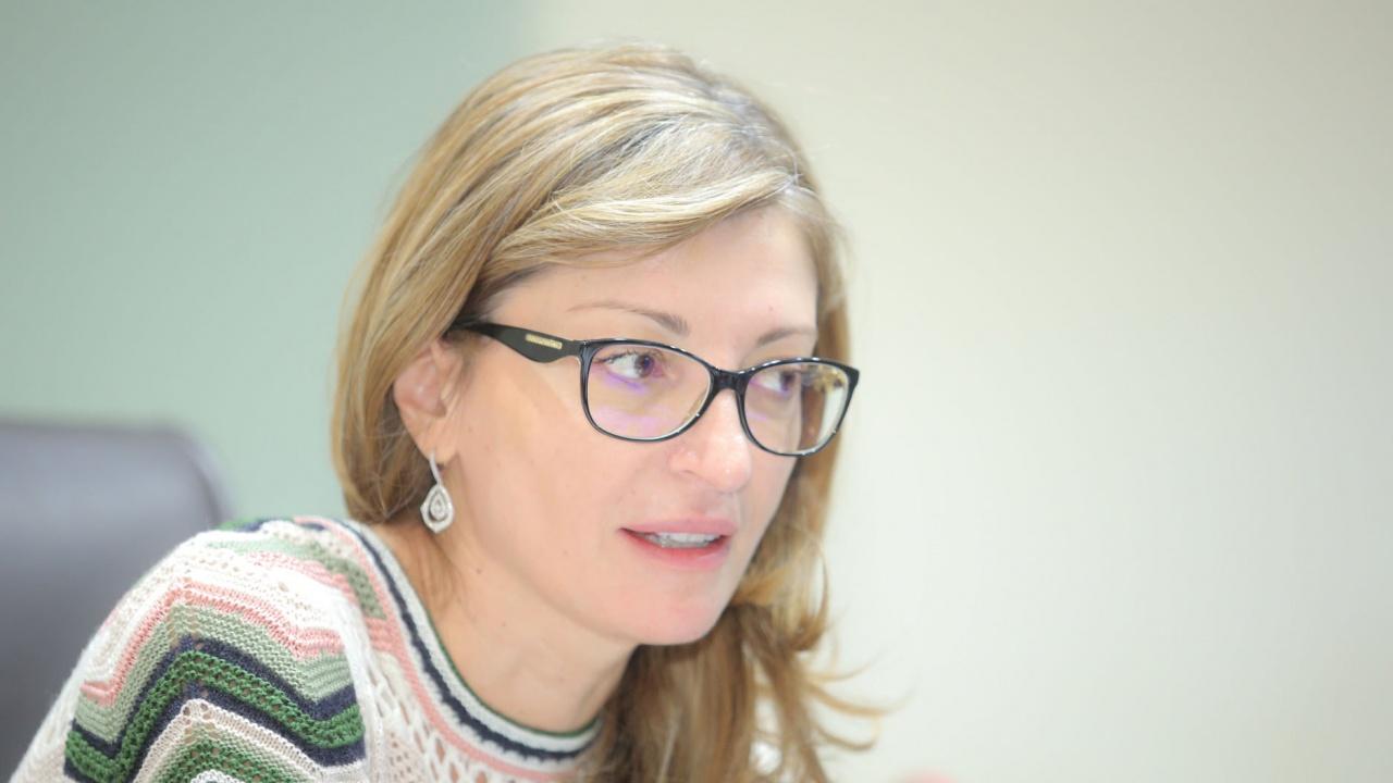 Захариева: Демокрацията не може да съществува без уважение към човешкото достойнство