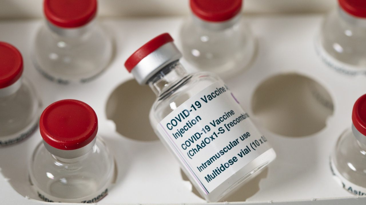 """""""АстраЗенека"""" ни изпращат ваксини два дни по-рано от планираното?"""