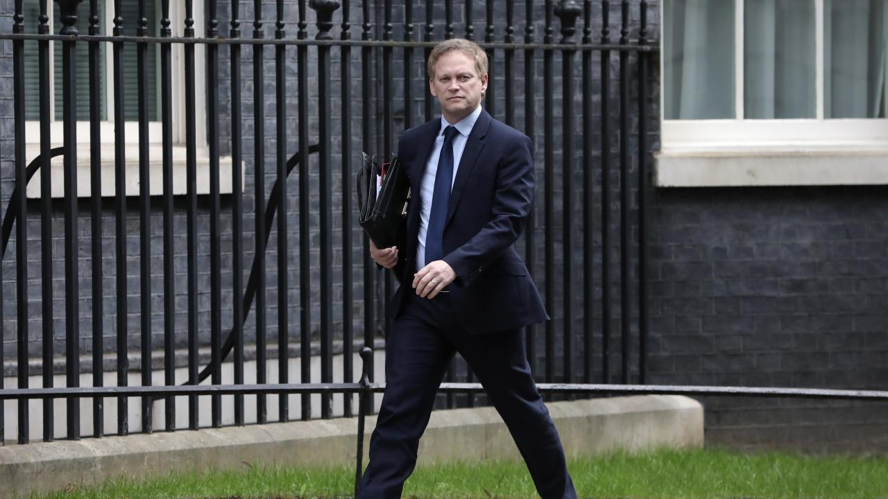 Великобритания все още не е взела решение за пътуванията в чужбина през лятото
