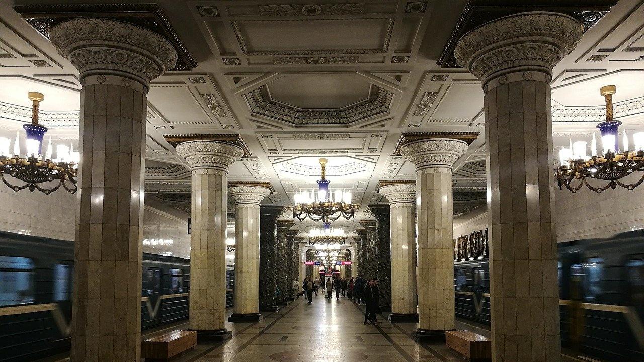 Москва дава над 10 млн. долара за камери за разпознаване на лица в метрото