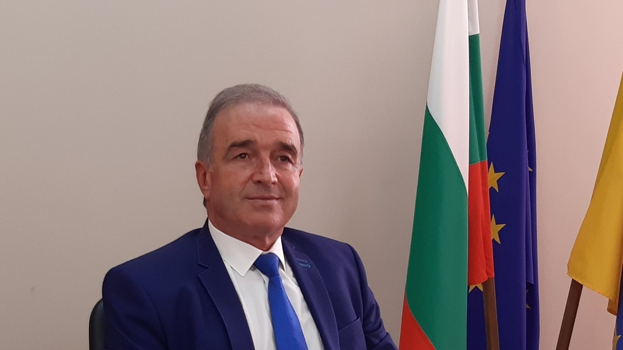 Кметът на Асеновград проведе консултации за изборите с политическите партии