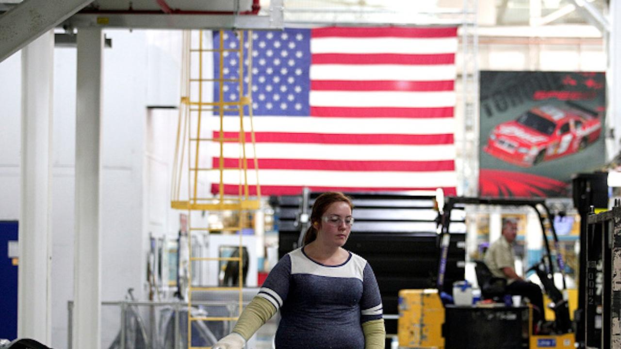 БВП на САЩ нарасна с 4,1% в края на 2020 г., но се сви с 3,5% за цялата година
