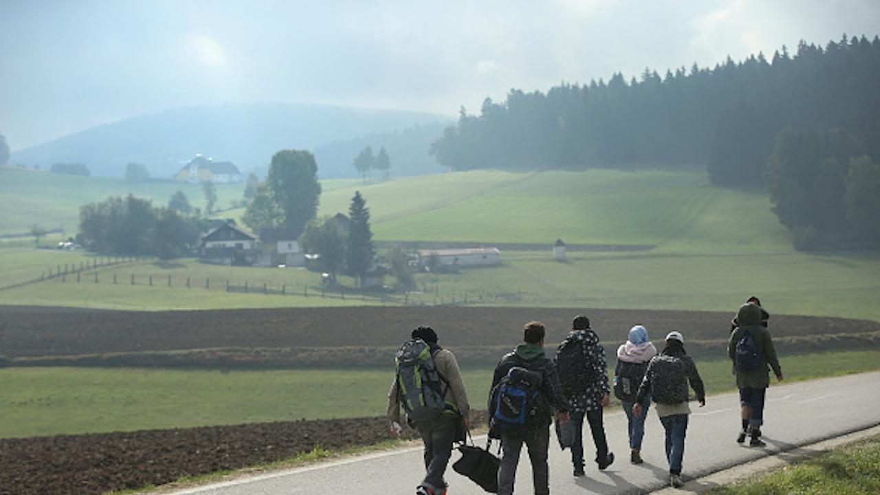 Австрия регистрира ръст на броя на заявленията за убежище въпреки спада им в ЕС
