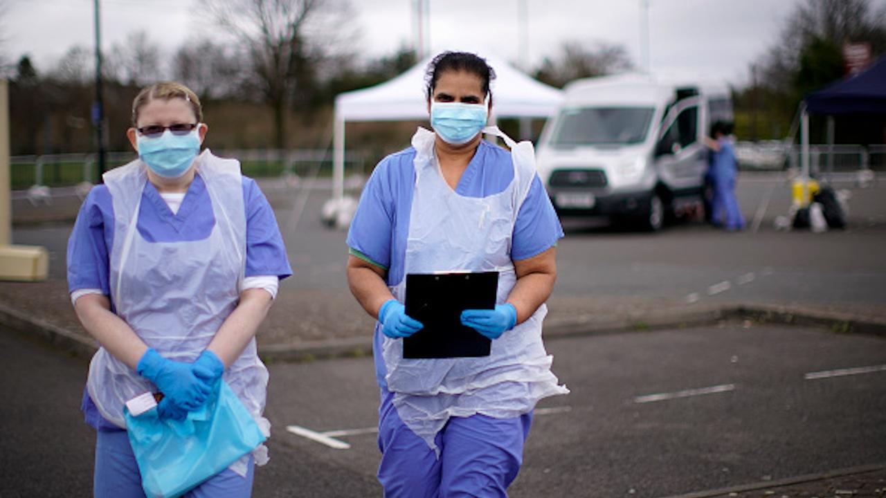 Великобритания понижи степента на тревога заради COVID-19