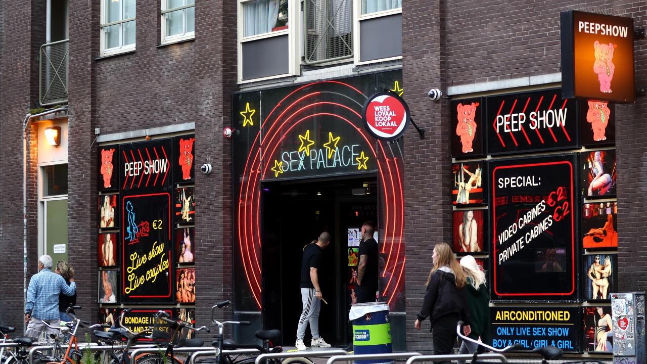 Сексуални труженички и ресторантьори в Нидерландия срещу COVID мерките