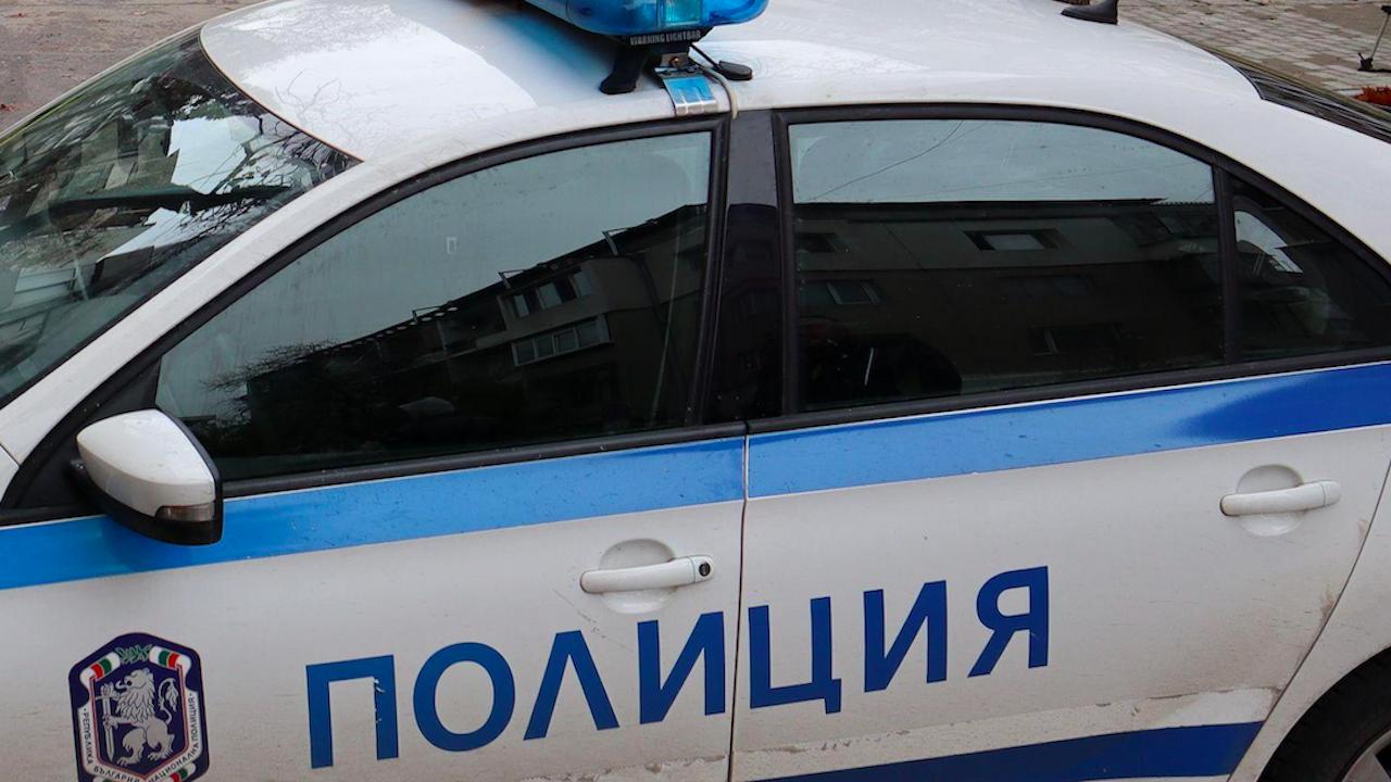 Спипаха непълнолетен с наркотици до училище във Видин