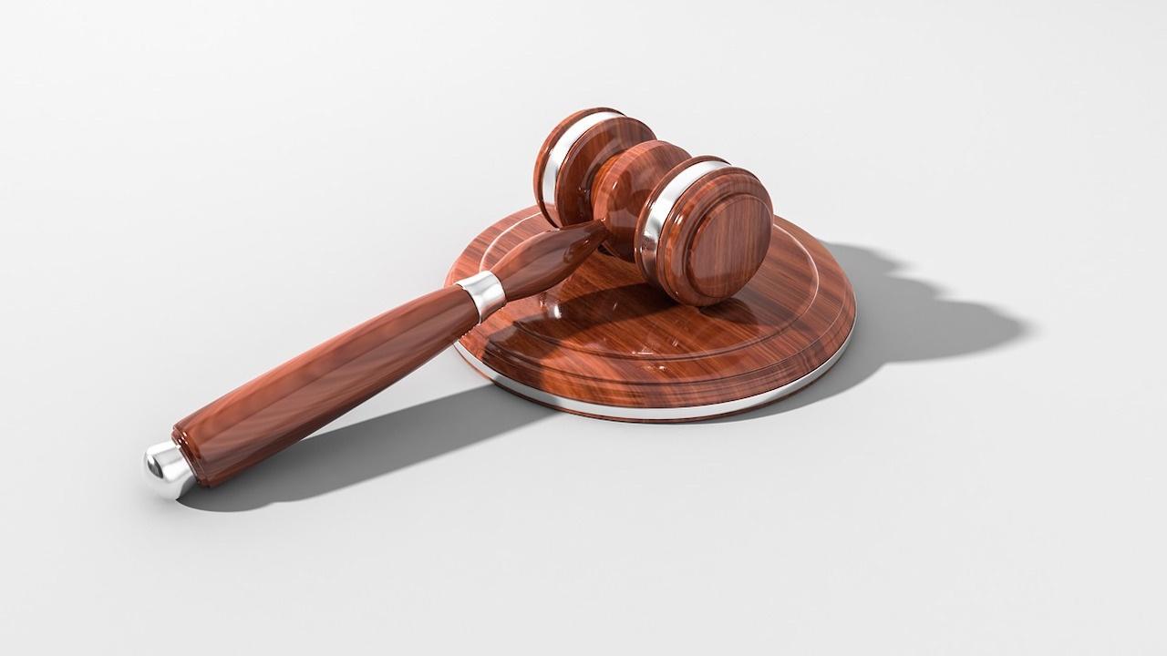 Обвинителен акт за мъж, извършил грабеж на дамска чанта