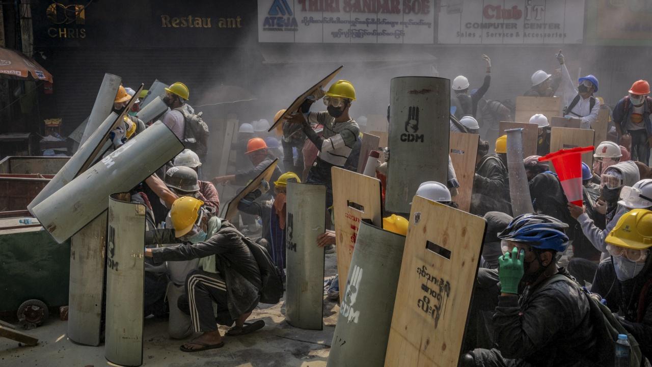 Мианма преживява най-смъртоносния ден от началото на протестите