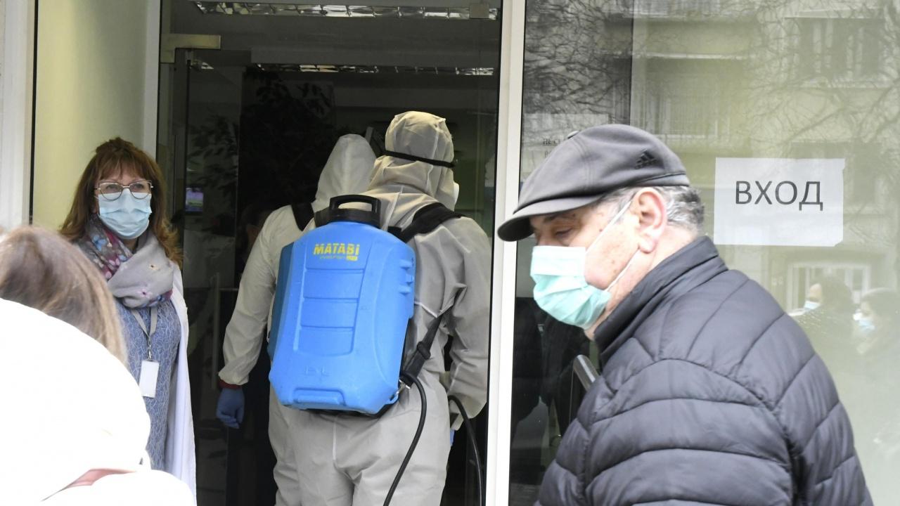 """""""Зелен коридор"""" за ваксиниране срещу COVID-19 в  """"Пирогов"""" ще възстанови работата си утре"""