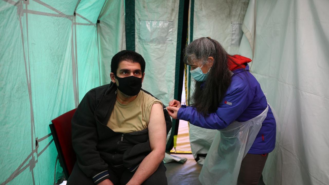 Над 20 милиона са ваксинираните с първа доза във Великобритания