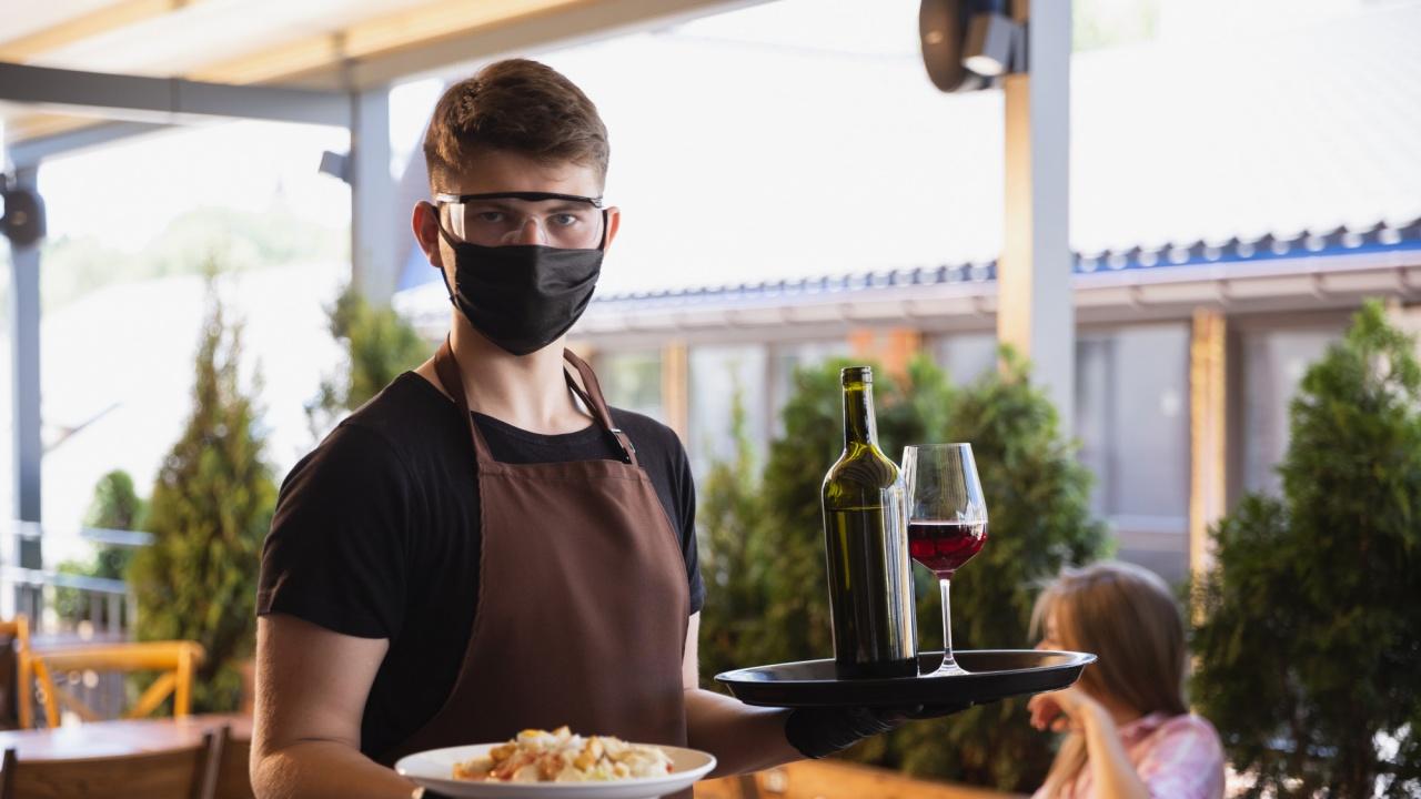 Ресторантьор: Ако решат пак да ни затворят, по-добре повече да не ни отварят