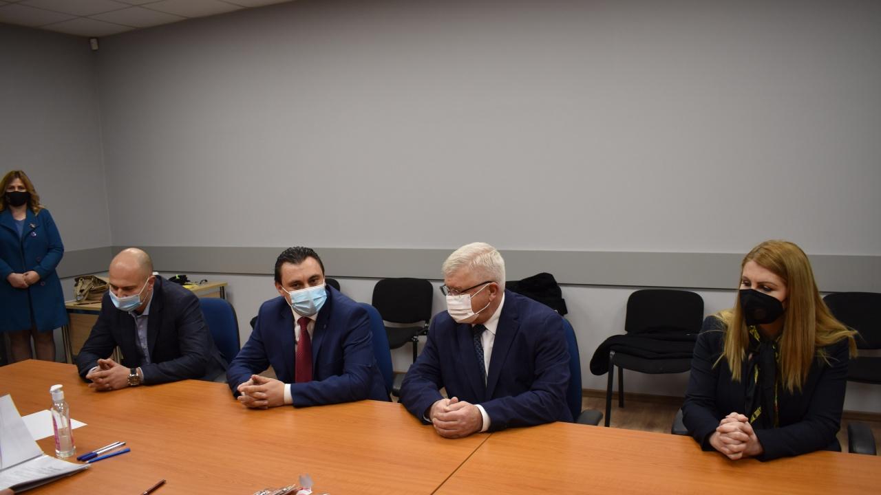 Двама министри повеждат листата на ГЕРБ и СДС в Перник