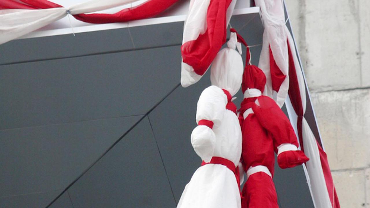 "Мартеница - кандидат за ""Гинес"", украсява паметника на хан Аспарух в Добрич"