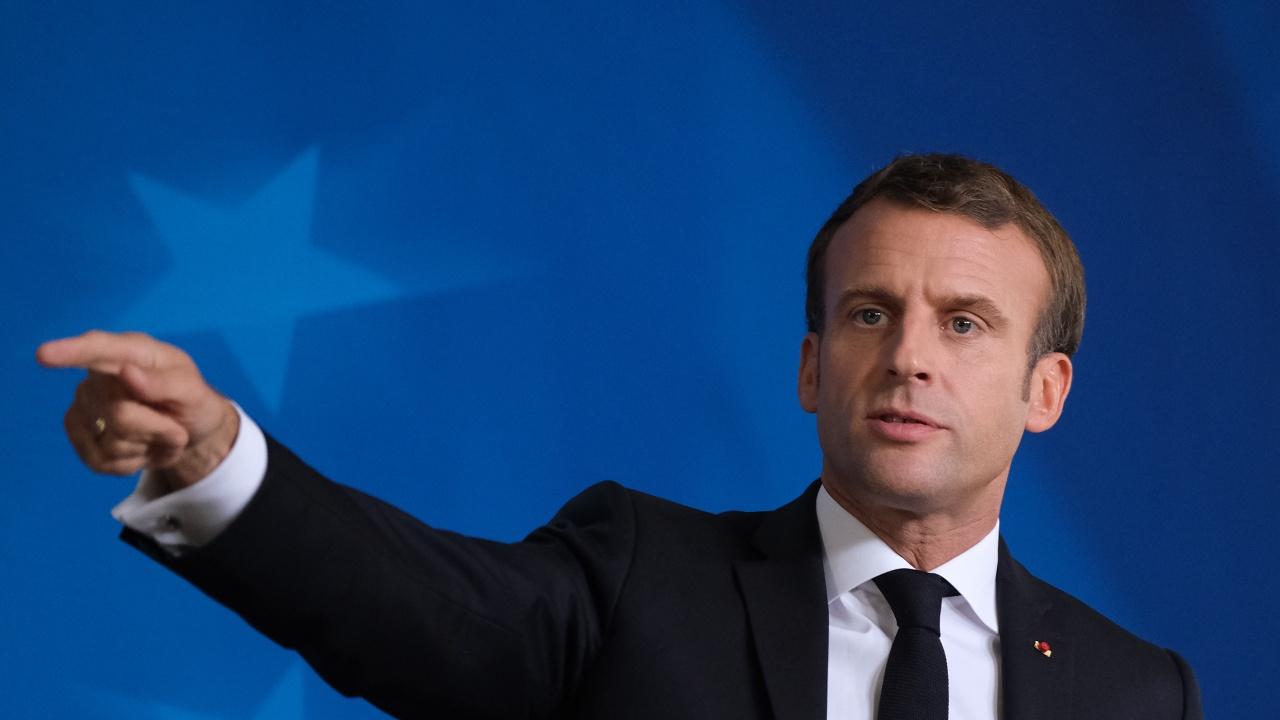 Макрон настоя да се изчака още от 4 до 6 седмици преди мерките във Франция да бъдат смекчени
