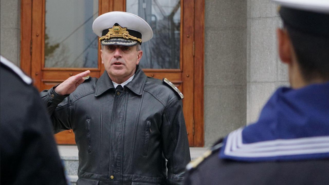Адмирал Емил Ефтимов изпраща 42-ия военен контингент за участие  в мисията на НАТО в Афганистан