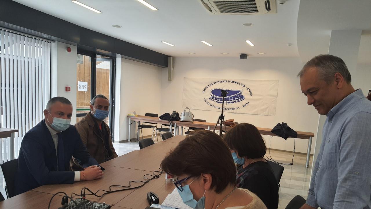 Коалиция ГЕРБ/СДС регистрира листата си с кандидатите за народни представители във Варна