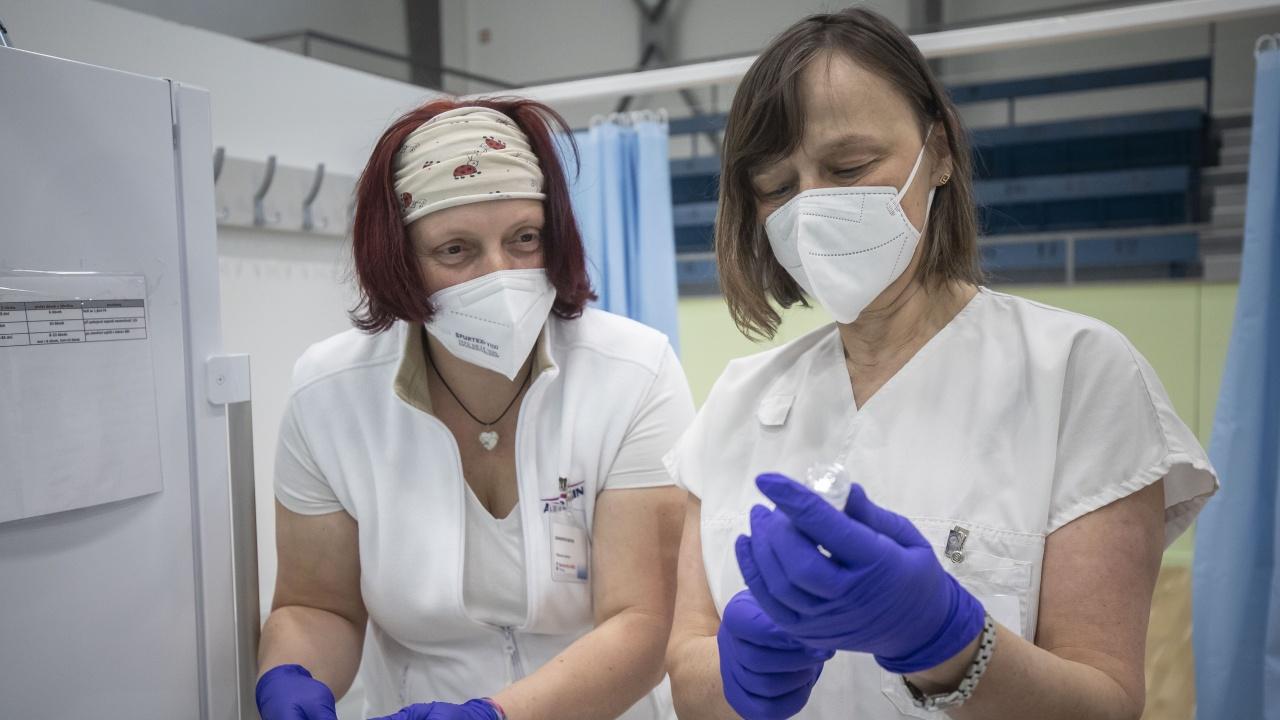 Израел иска да купи още 36 млн. ваксини