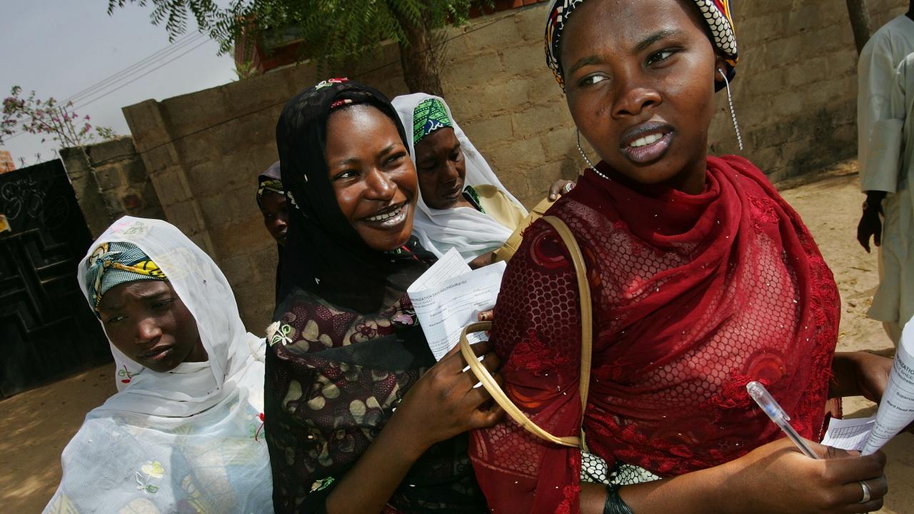 Близо триста момичета, отвлечени в Нигерия, бяха пуснати на свобода