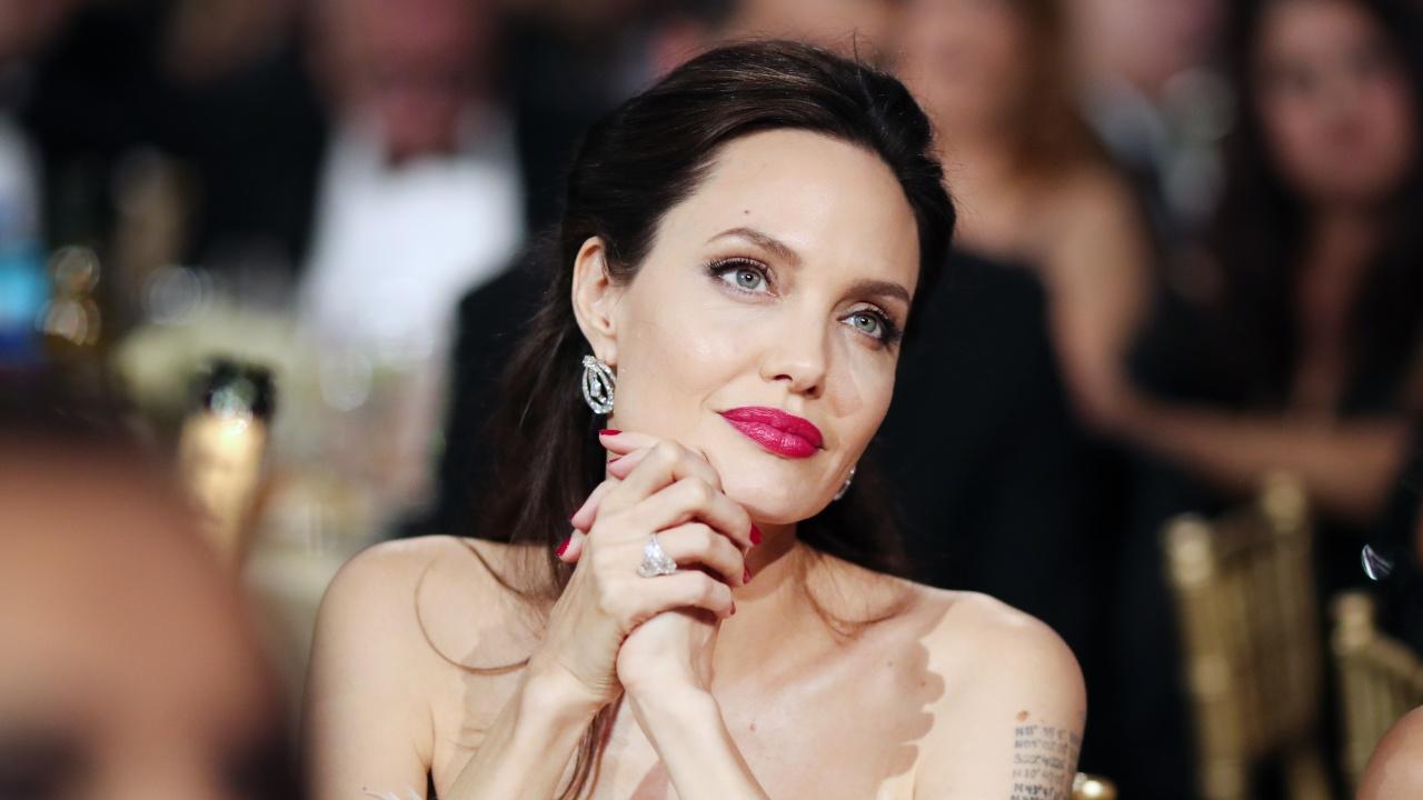 Анджелина Джоли продаде на търг картина на Чърчил за рекордните 11,6 милиона долара