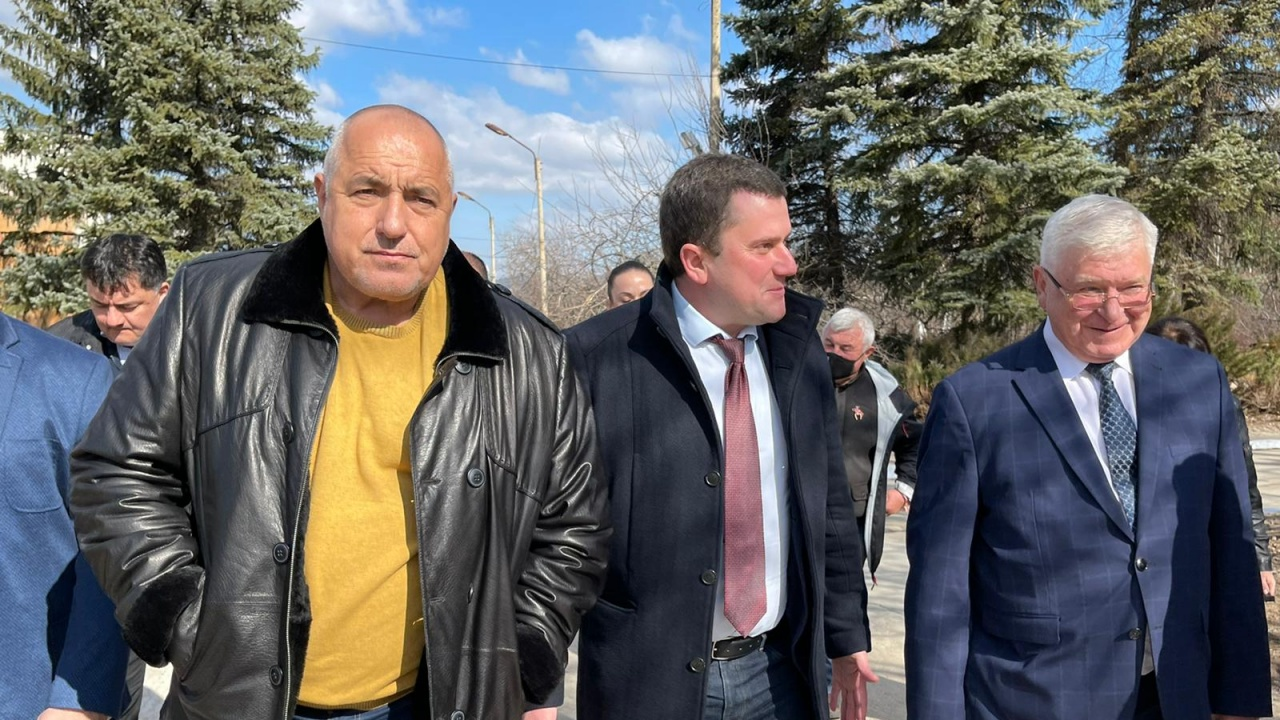 Борисов в Перник: Опозицията трябва да пие най-хубавата вода