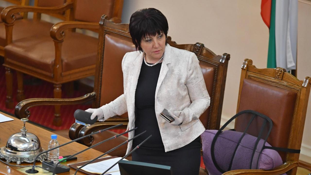 Караянчева: Партия ГЕРБ е единствената алтернатива на ДПС в смесените региони