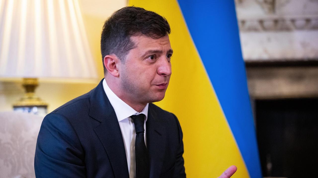 Украинският президент се ваксинира срещу COVID-19