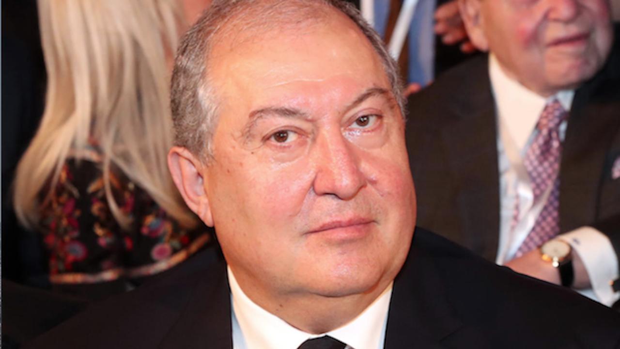Президентът на Армения отново отказа да уволни началника на Генералния щаб