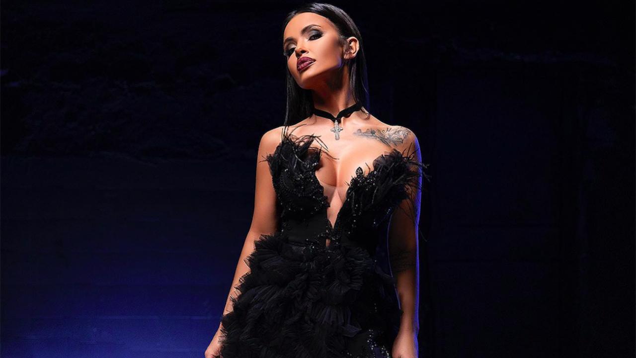 Мария засне новото си видео с уникална рокля на София Борисова