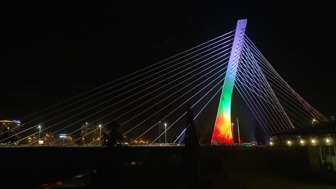 Българското знаме огря емблематичен мост в Черна гора