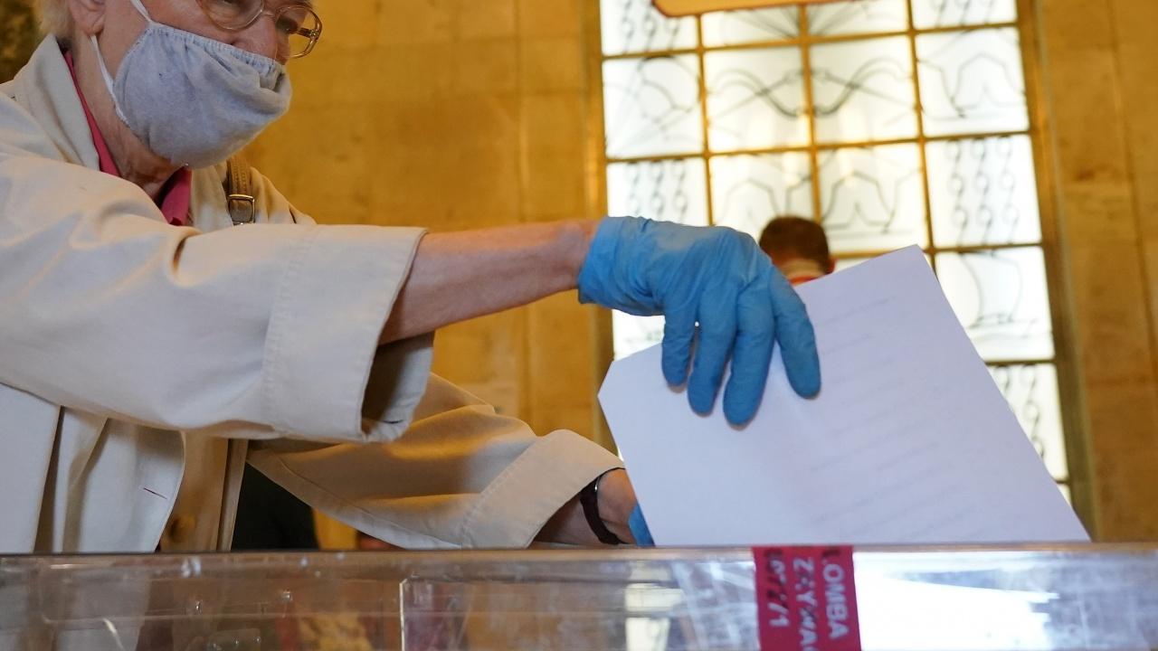 Възможен ли е пик на коронавируса по време на изборите?