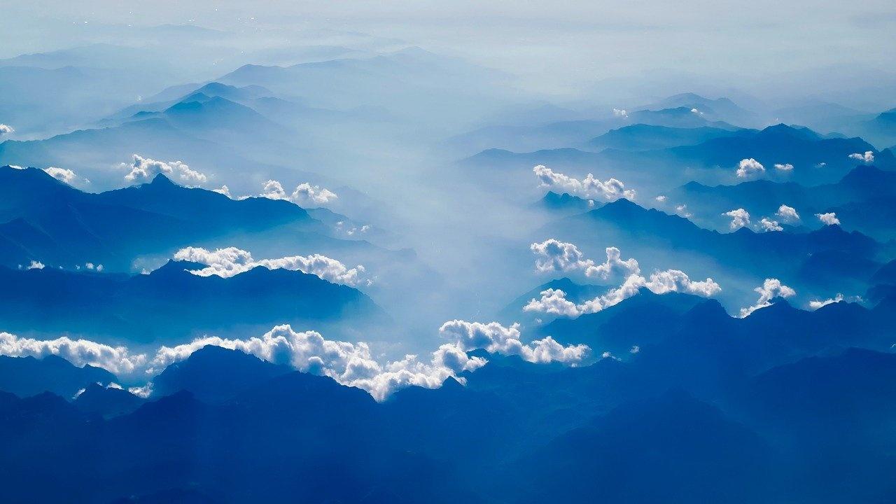 Мръсен е въздухът в Бургас и Варна днес