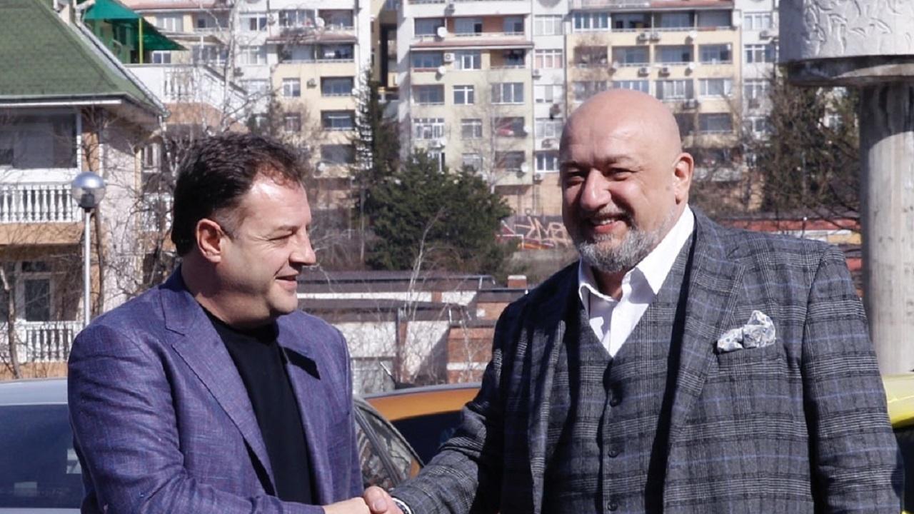 Министър Кралев проведе работна среща със спортните клубове от Велико Търново
