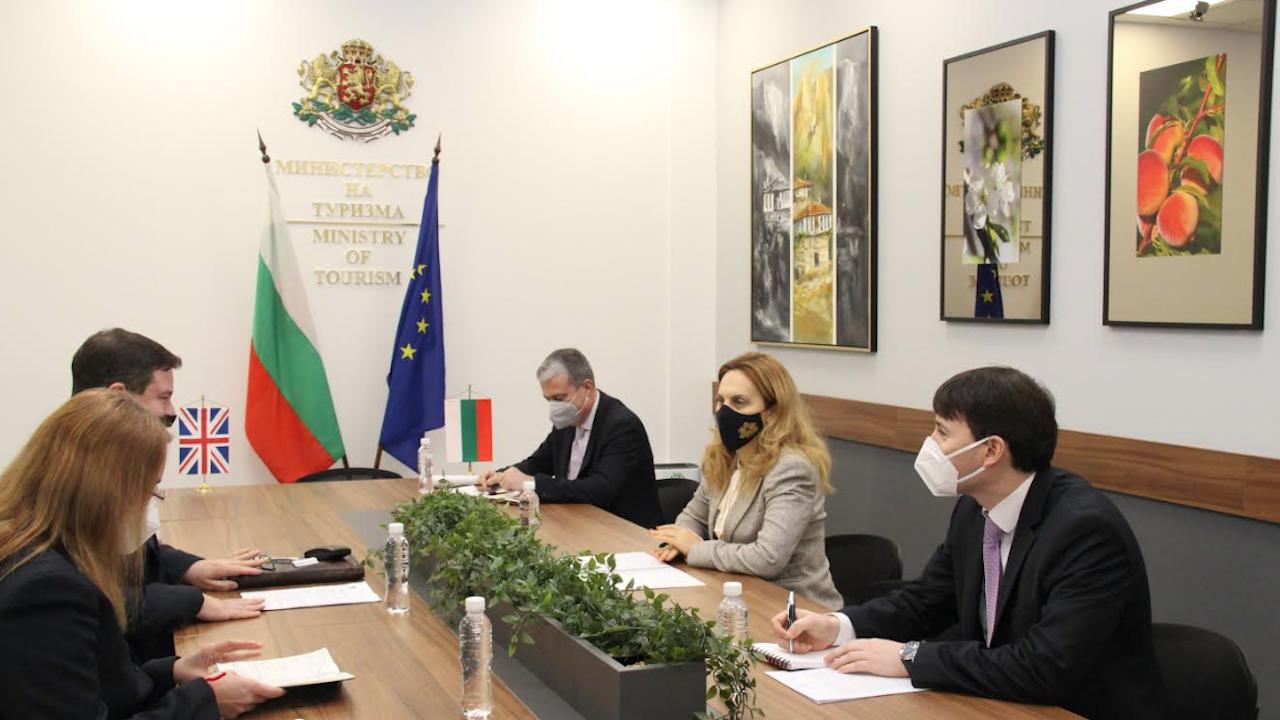 България и Великобритания трябва да положат усилия за премахване на ограниченията за туристическите пътувания