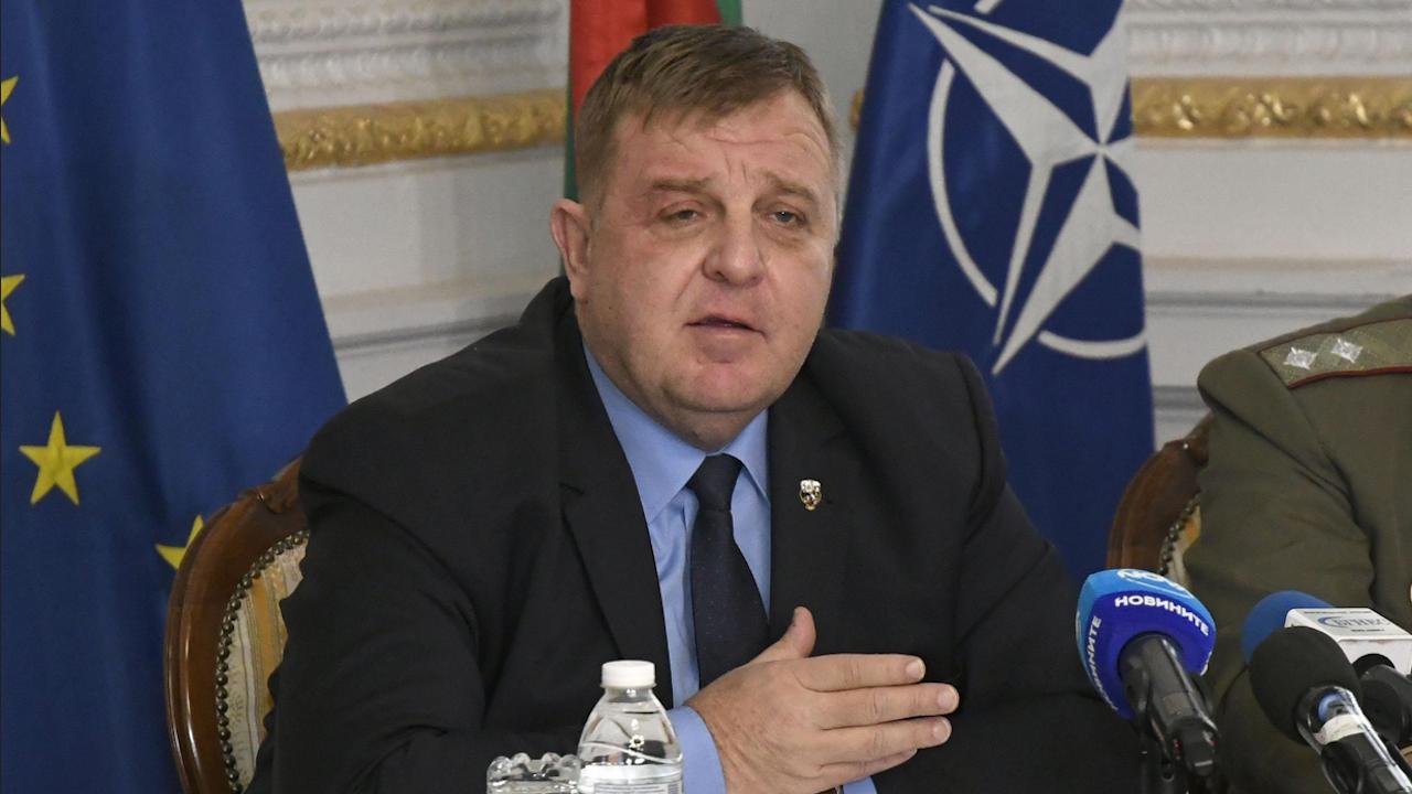 Каракачанов: Грижата за здравето и живота на военнослужещите е на първо място