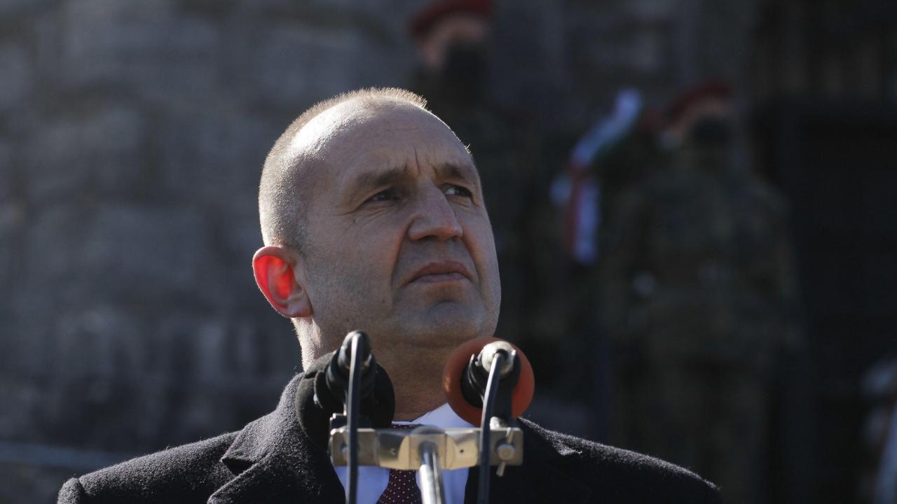 Румен Радев ще се запознае с годишния анализ на резултатите от подготовката на Въоръжените сили