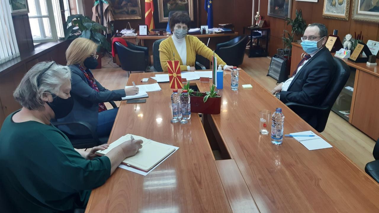 Посланикът ни в Скопие разговаря с македонския министър на културата