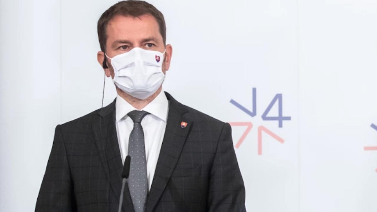 Киев е гневен на словашкия премиер, пошегувал се, че ще даде част от Украйна на Русия в замяна на ваксини