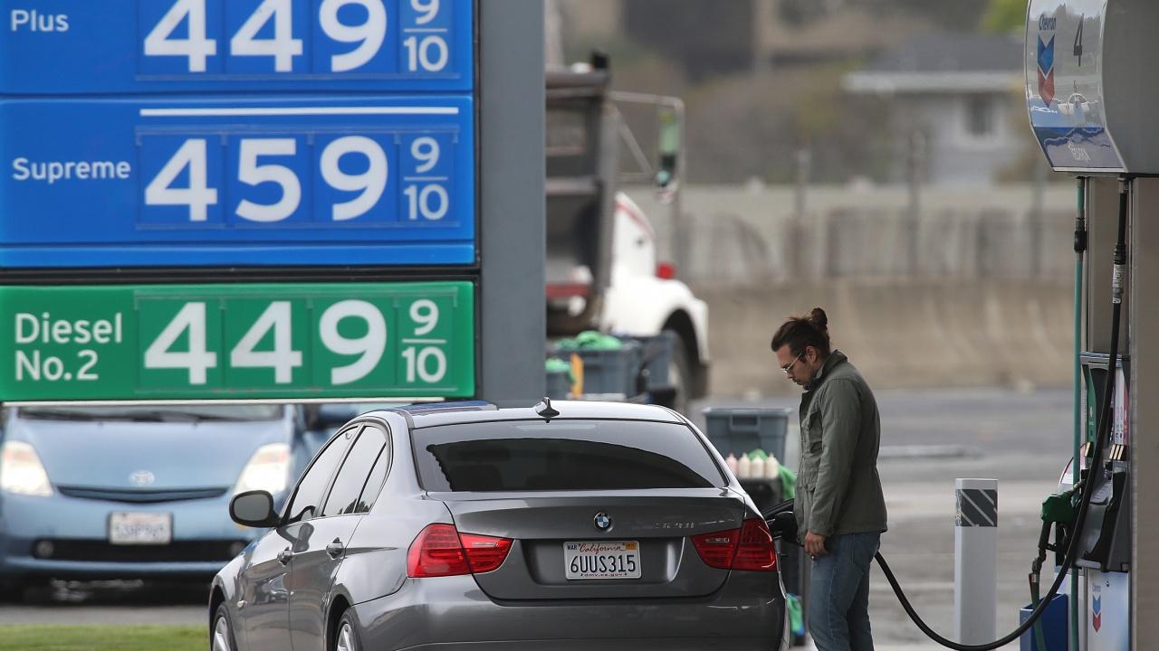За първи път в САЩ: Град в Калифорния забрани строежа на нови бензиностанции
