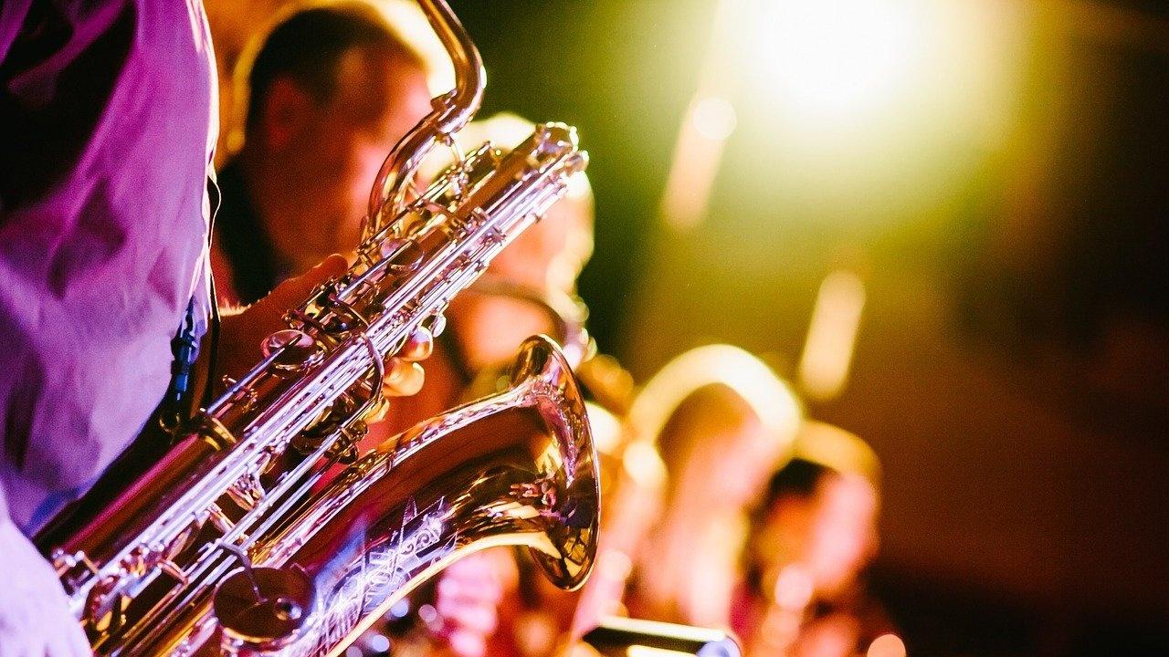 Музиканти на свободна практика с призив за помощ от държавата