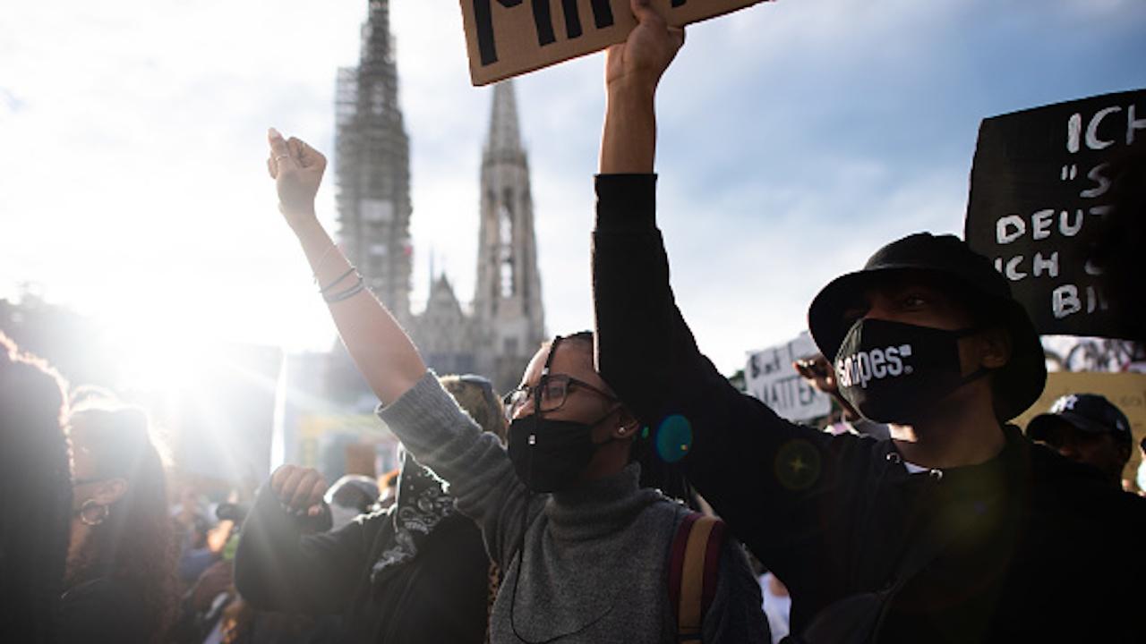 Бурни демонстрации във Виена срещу антипандемичните мерки