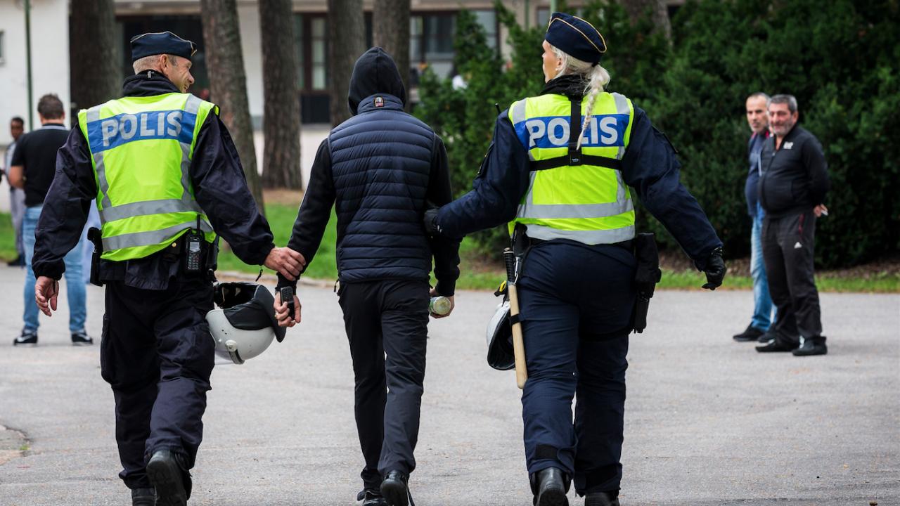 Полицията в Стокхолм разпръсна демонстрация срещу ковид ограниченията