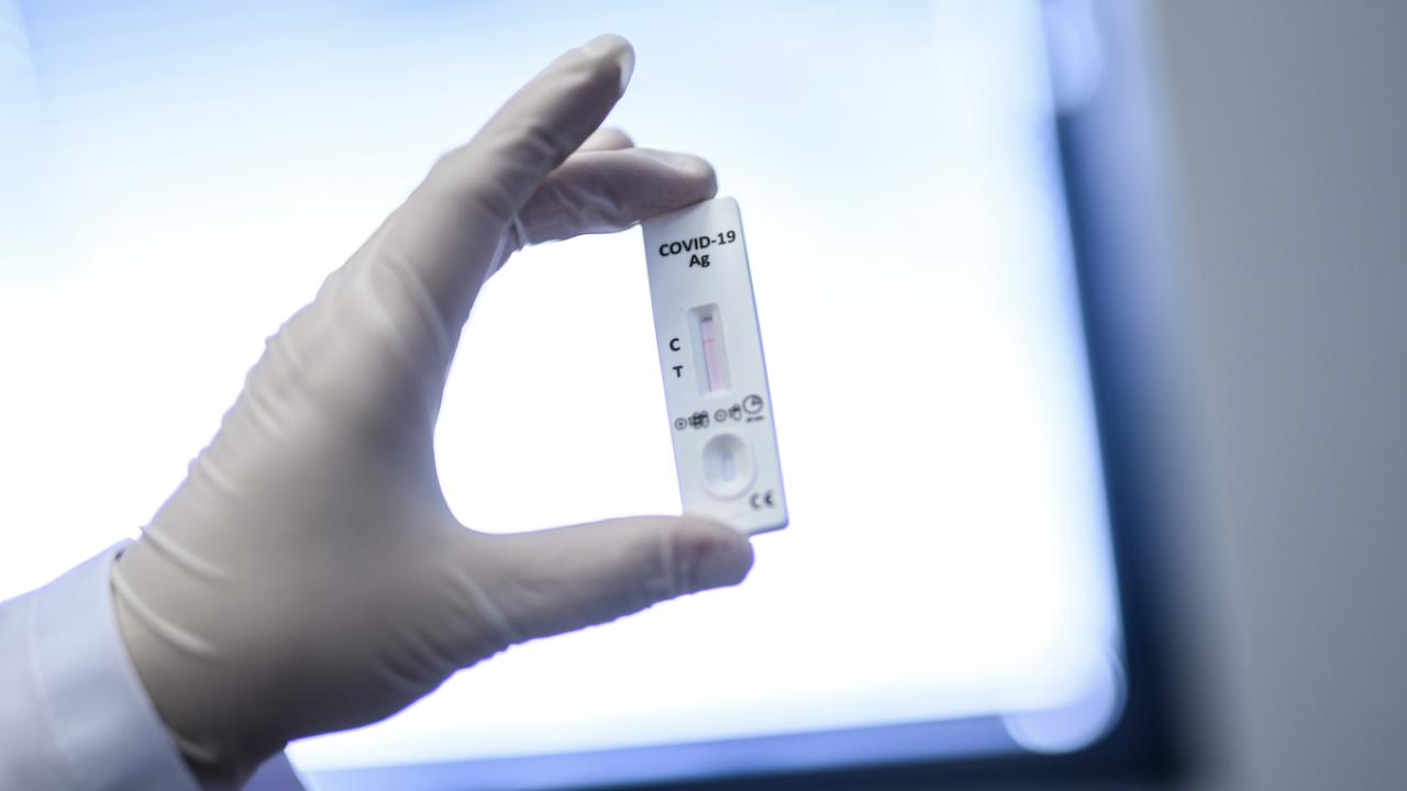Германците изкупиха за часове антигенни тестове, пуснати са свободна продажба в търговската мрежа