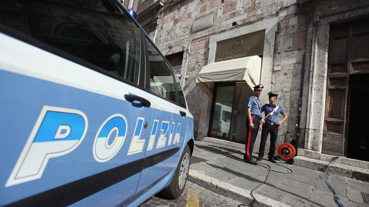 Италиански съдии искат доживотен затвор за двама американци, убили италиански карабинер