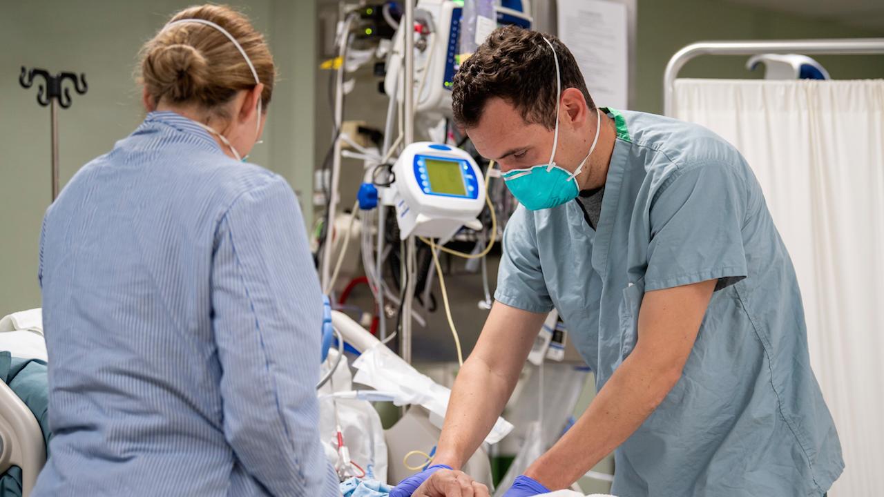 Първи словашки пациенти с коронавирус пристигат в Полша и Германия