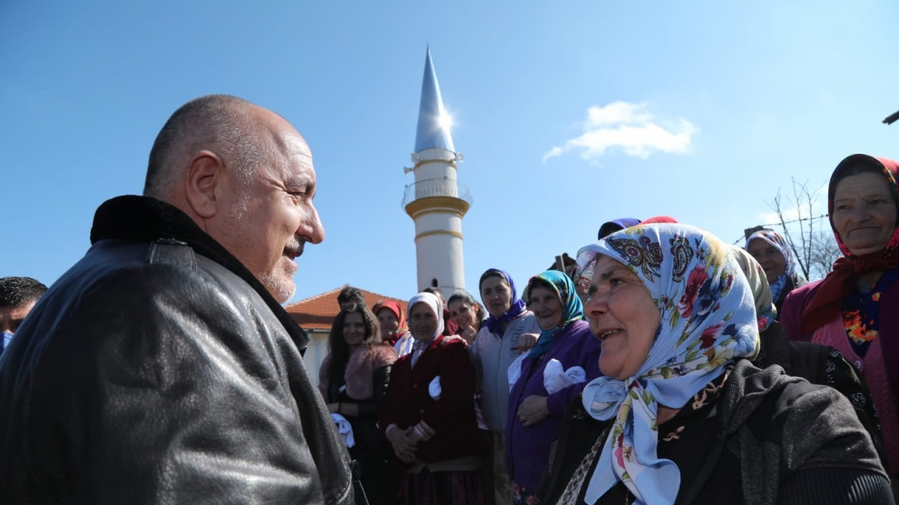 Борисов в село Магерово: Комунистите ходиха да ни топят защо ви правим пътища