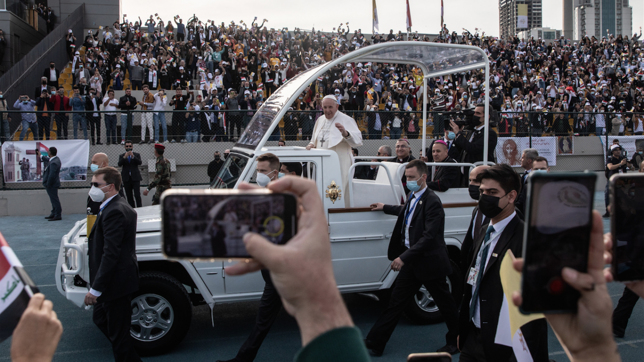Папата отслужи най-голямата си меса в Ирак