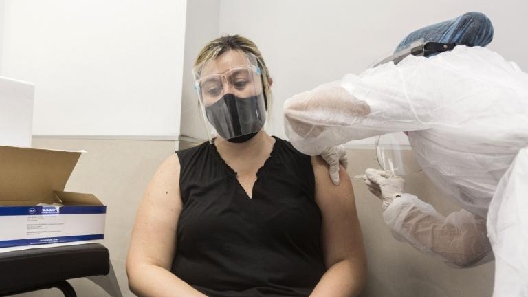 Над 50 милиона души в САЩ са получили първа доза от ваксината срещу COVID-19