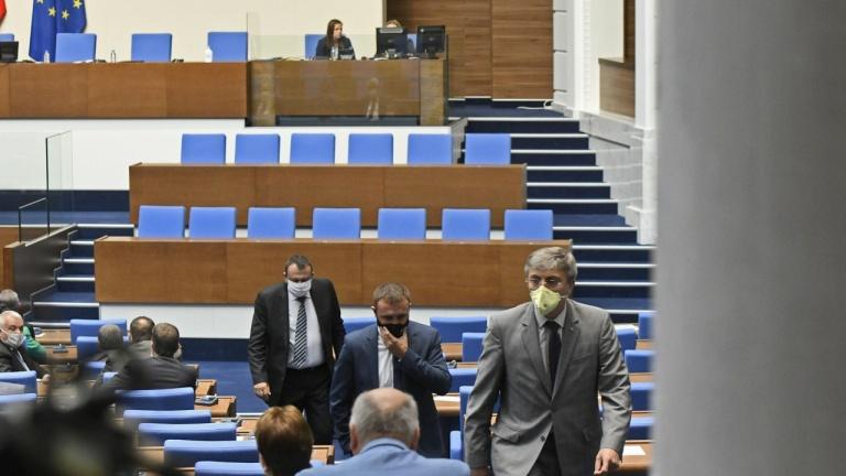 Ето кой влиза в парламента, ако изборите бяха днес