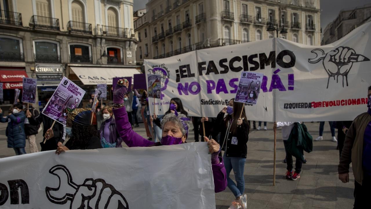 Испанските жени отбелязаха 8 март с протести